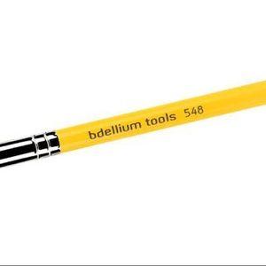 bdellium Makeup - bdellium Dagger Lip 548 Brush